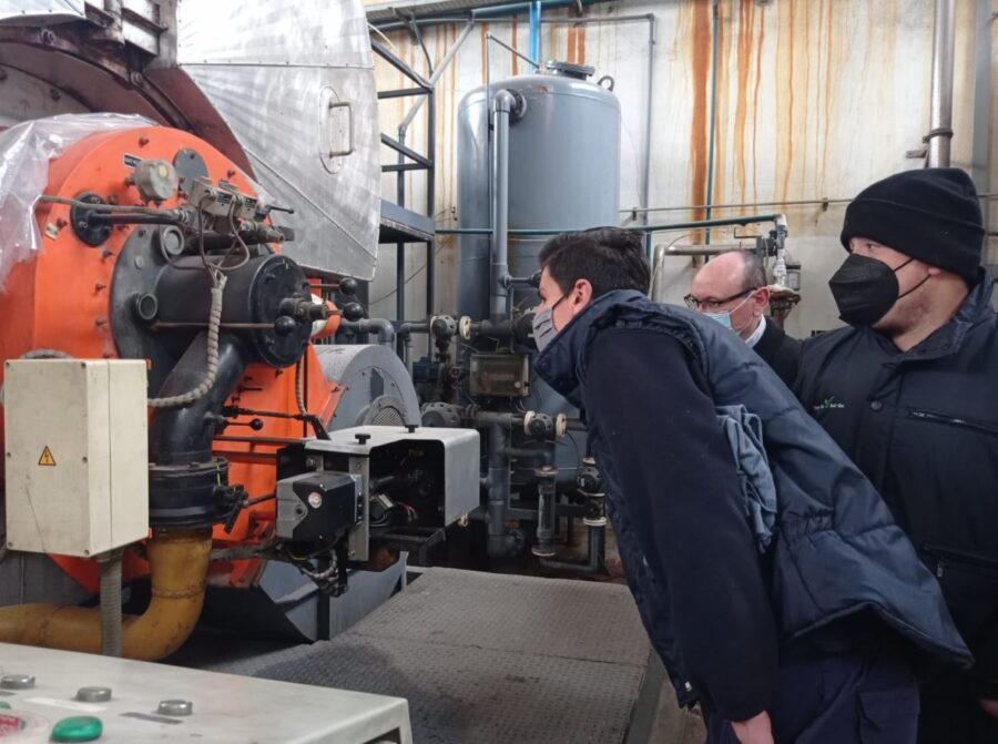 Visita a una fàbrica industrial